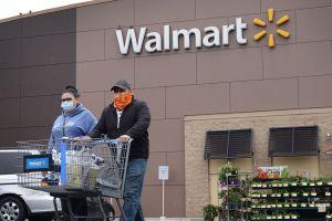 El Director general de Walmart advierte sobre la necesidad de un tercer cheque de estímulo