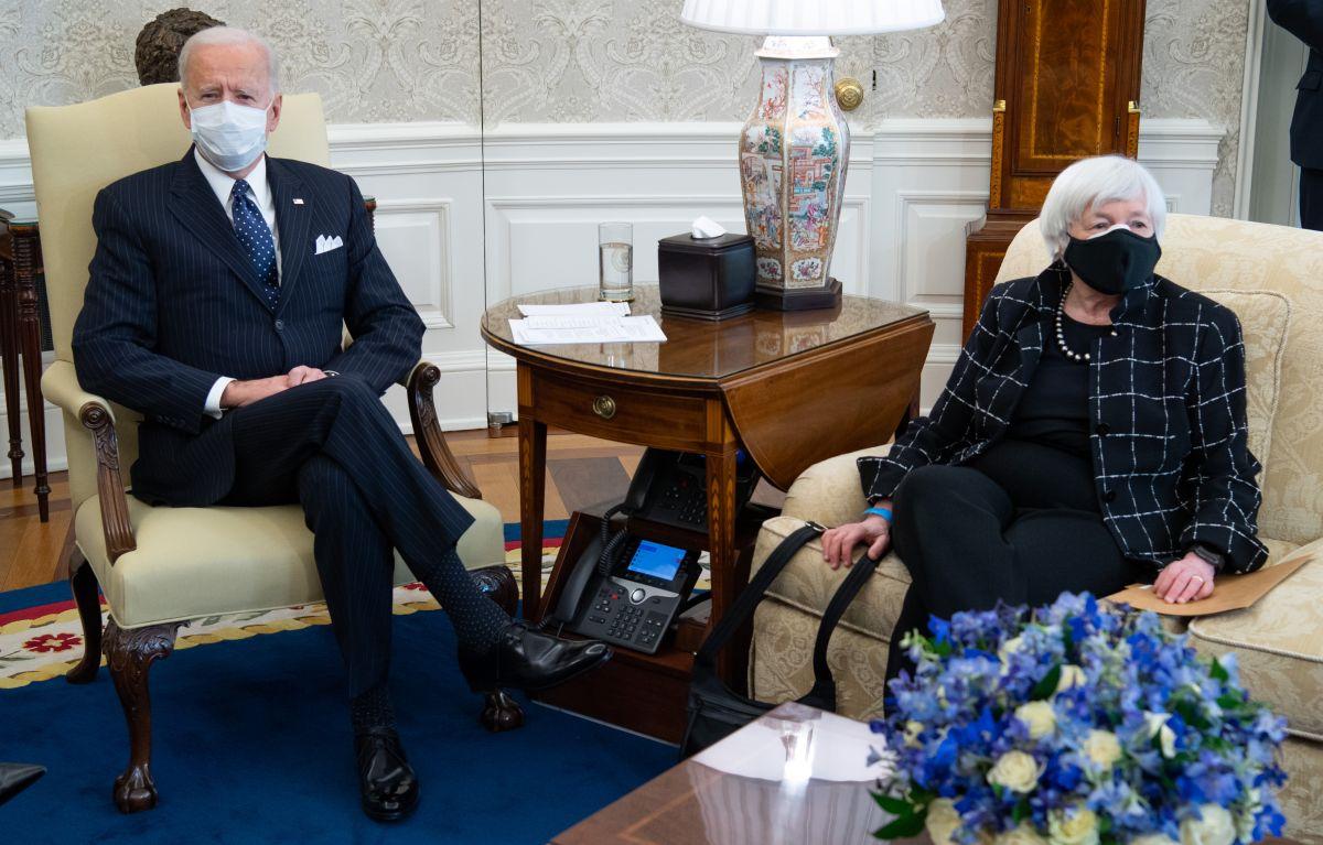 El presidente Joe Biden y la secretaria del Tesoro, Janet Yellen.