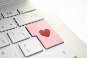 ¿Amor en la pandemia? Alertan sobre las estafas románticas para robar el dinero de los cheques de estímulo