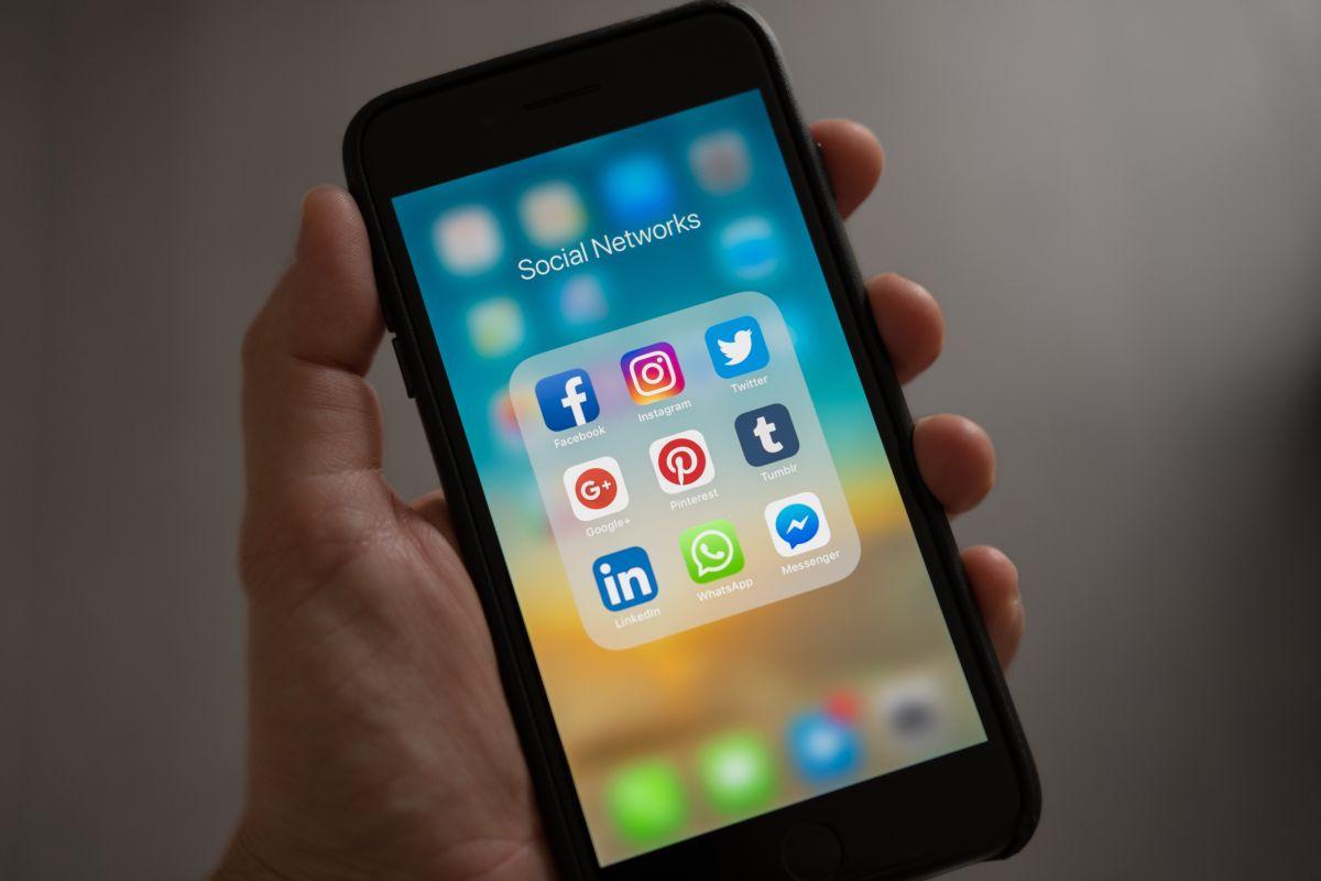 Las redes de la megaempresa Facebook se cayeron hoy casi una hora y dejaron a miles sin servicio.