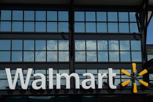 Cómo enviar dinero desde Estados Unidos a través de Walmart