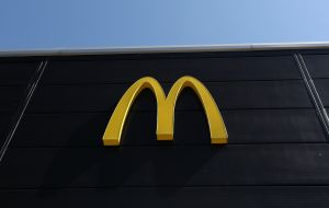 Cuánto cuesta en promedio poner una franquicia de McDonald's
