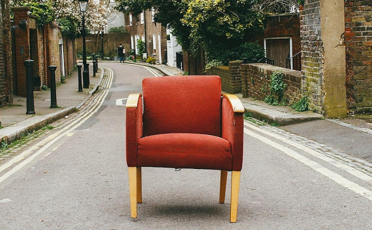 Las herramientas digitales son de gran utilidad para vender muebles usados.