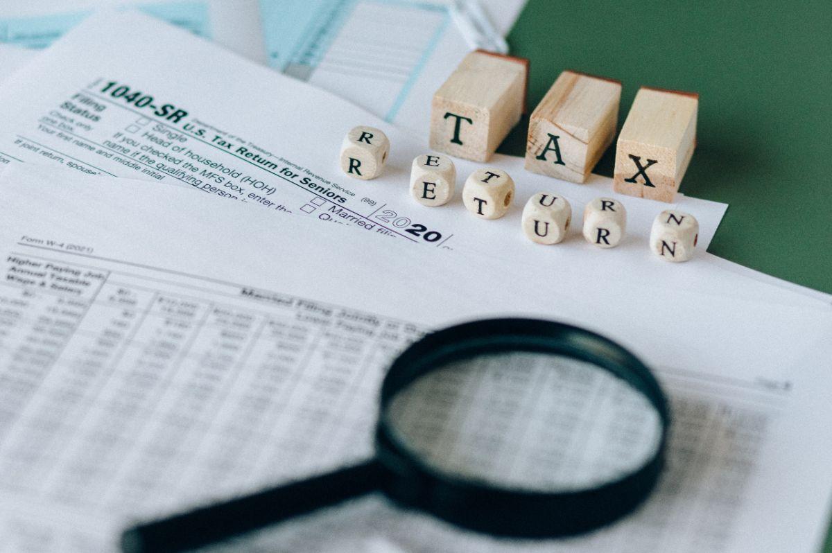 El IRS está saturado en sus labores con millones de solicitudes qué procesar por cuestiones de alivio contra el COVID-19.