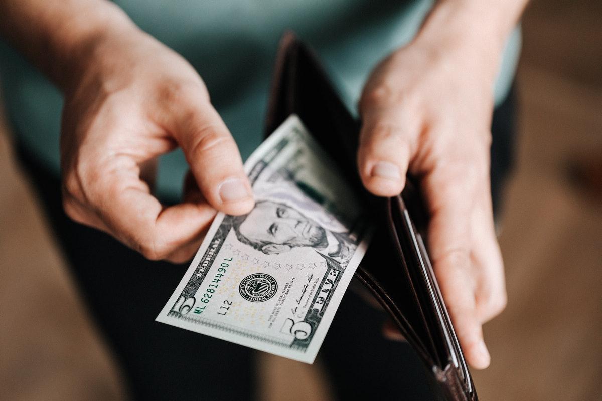 Alrededor del 2% de los trabajadores viven con un salario mínimo.