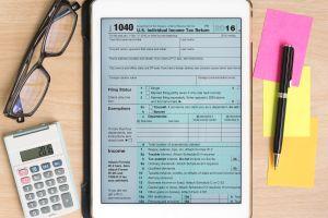 Hay diferentes versiones del formulario 1040: cuál es la que debes llenar para que no tengas problemas con el IRS