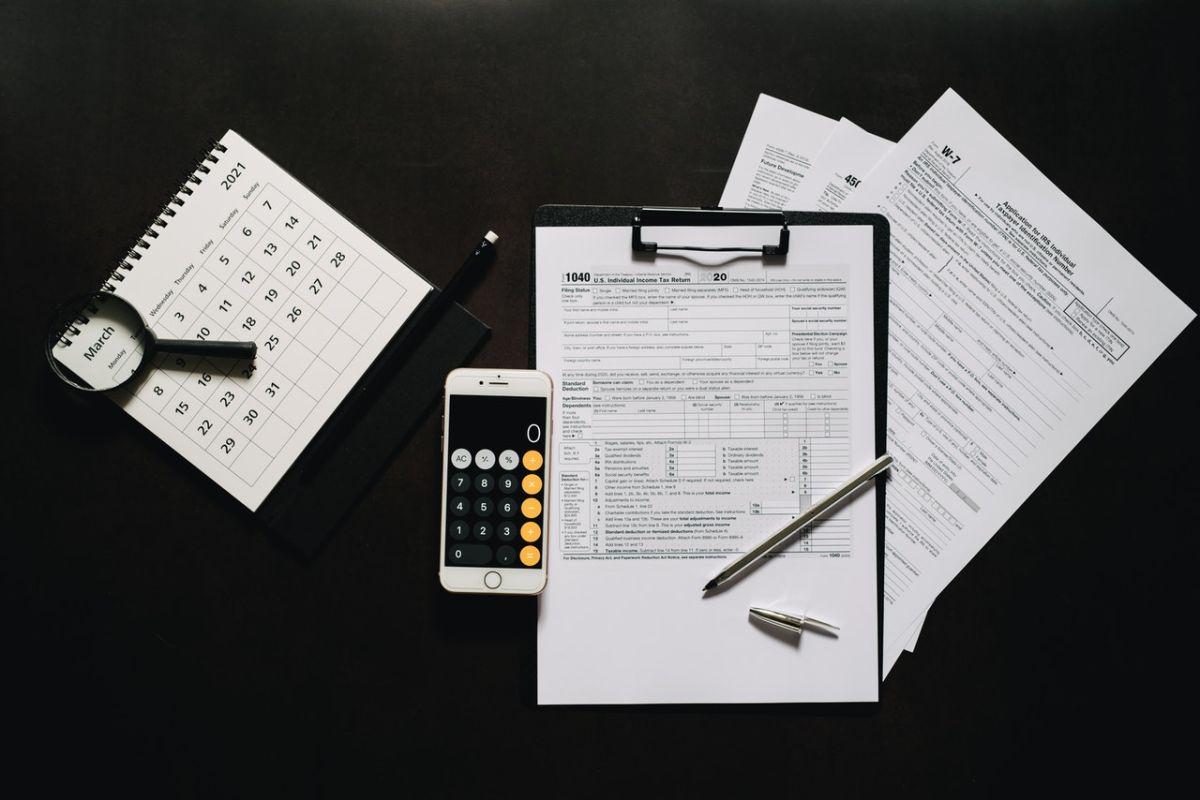 El formulario 1040 del IRS sirve para hacer las declaraciones de impuestos.