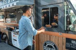 Cómo comenzar un negocio con un camión de venta de comida en Estados Unidos