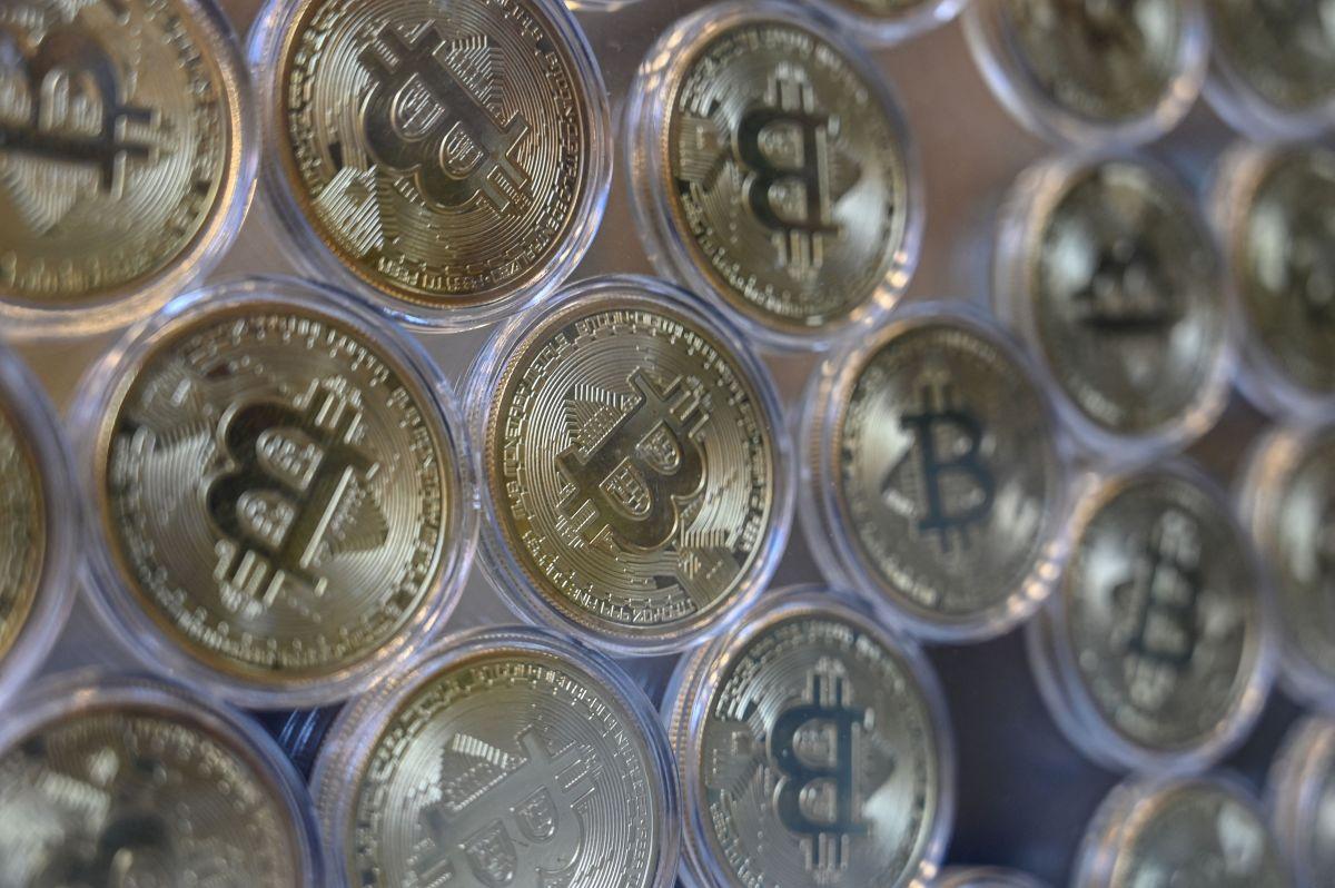 El anuncio de los nuevos impuestos del presidente Biden hizo que el precio del Bitcoin cayera.
