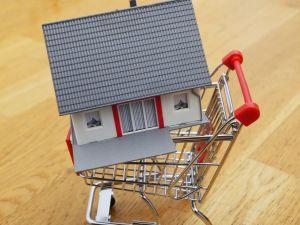 Cómo determinar si es el momento justo para comprar una casa o mejor esperar