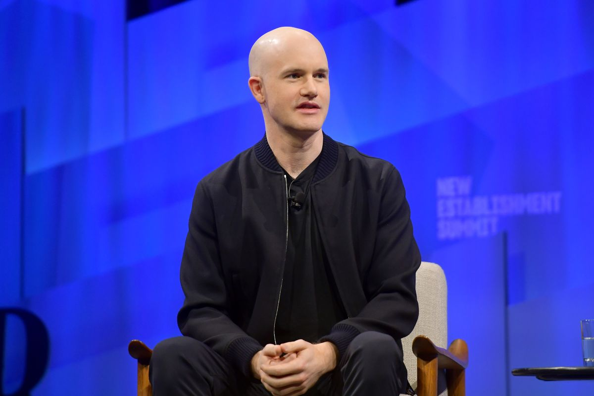 Quién es Brian Armstrong, el discreto CEO de Coinbase: ahora entre los más ricos del mundo por llevar la criptomoneda a Wall Street