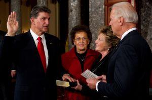 Biden-Manchin, la relación clave para la aprobación del American Jobs Plan