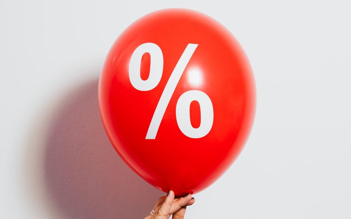 Las tasas de interés de la Reserva Federal impactan en productos como préstamos, hipotecas y tarjetas de crédito.