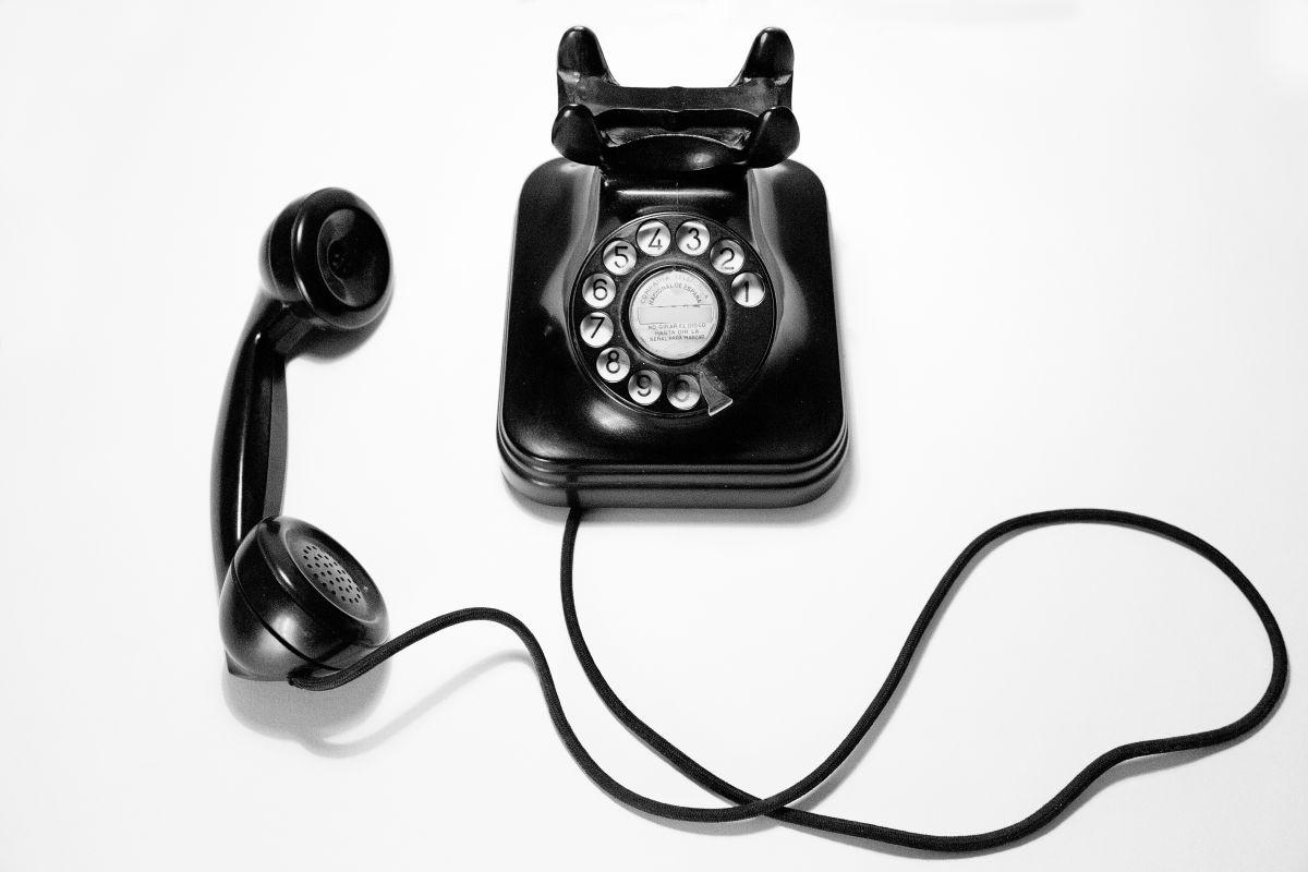 Tal vez seas el afortunado entre 50 llamadas de ser atendido por el IRS, pero ni siquiera es garantía de que puedan resolver tu consulta.