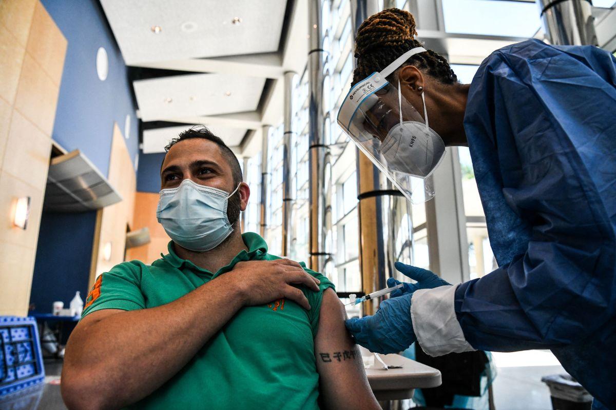 Muchas personas sin residencia han comenzado a ser vacunados en Estados Unidos.