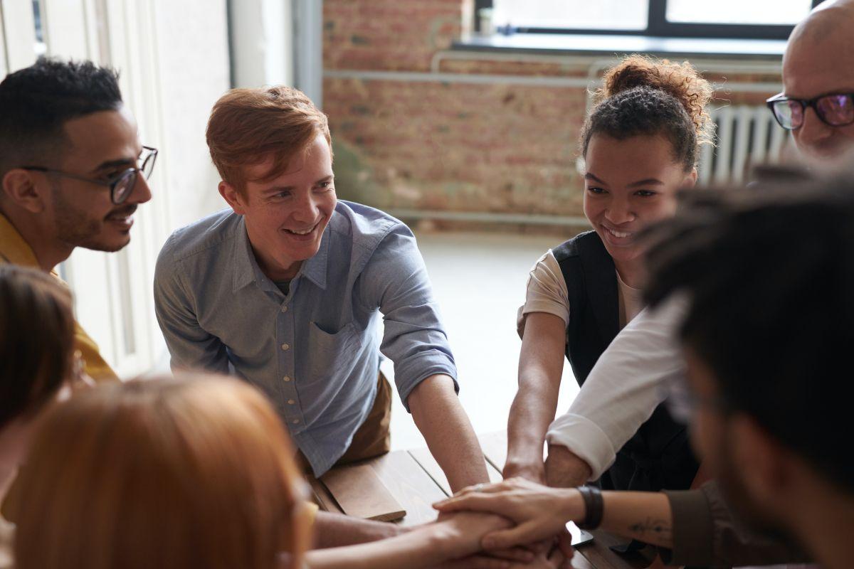 En Boston, Massachusetts, 149,695 de 426,238 trabajadores tienen 30 años o menos, lo que significa el 35.12% de la fuerza laboral total.
