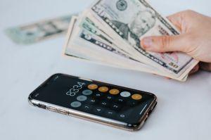 Tres gastos que la mayoría cree que puede deducir de sus impuestos pero que en realidad no procede