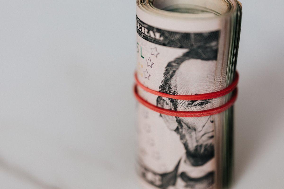 Cuarto cheque de estímulo: cuáles son las razones que le meten presión a su aprobación.