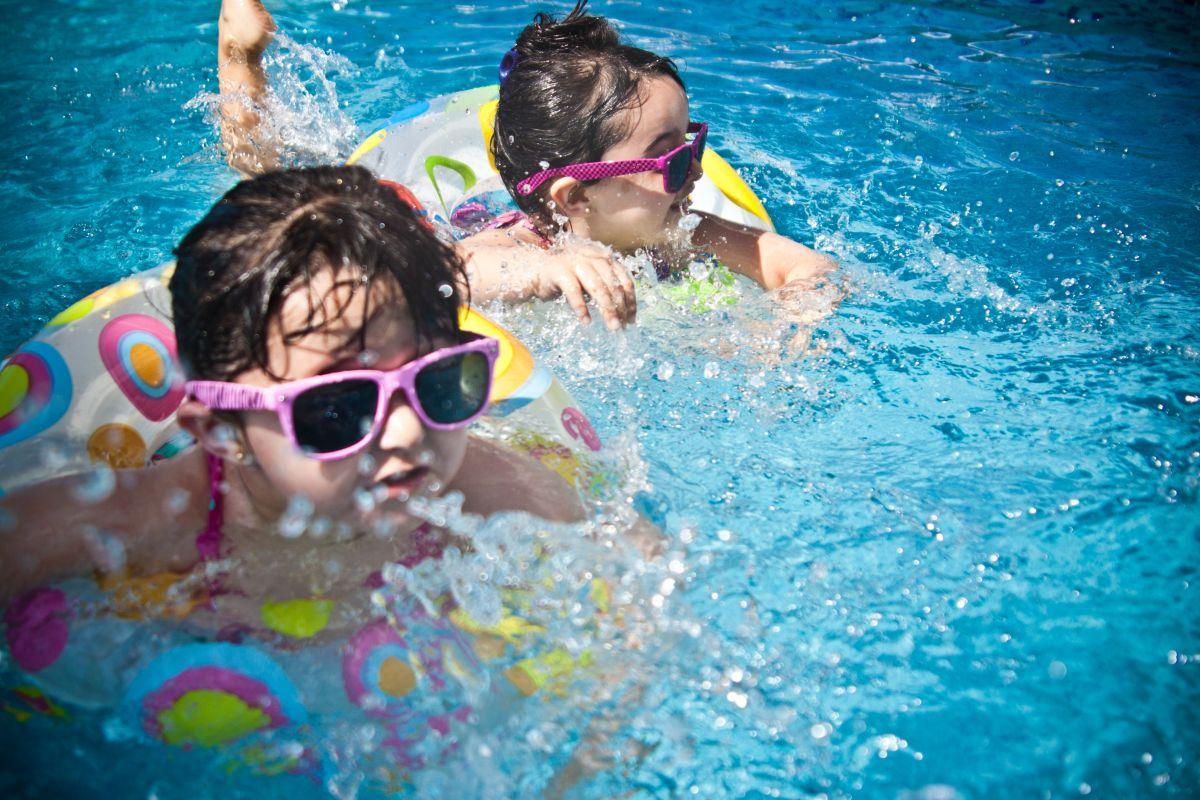 Qué es Swimply y cómo puedes ganar dinero este verano rentando tu piscina