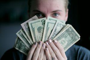 ¿Qué cantidad de dinero sería entregada en el cuarto cheque de estímulo, si se aprueba?