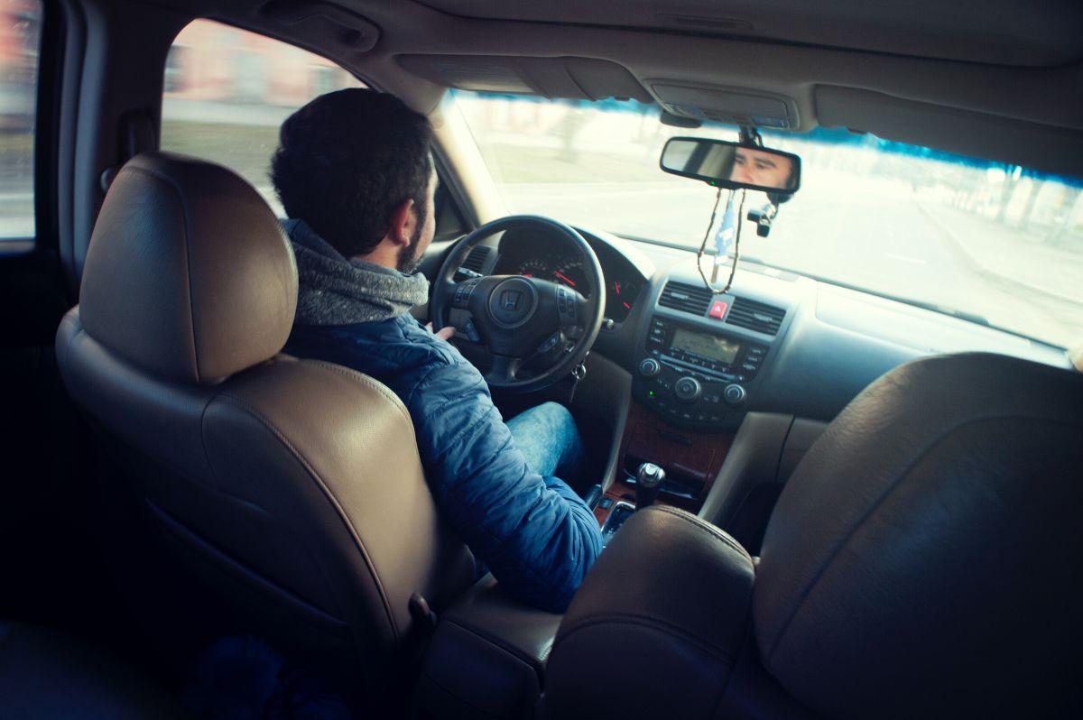 La compañía calcula que los conductores que pasan un promedio de 20 horas en línea a la semana obtienen ganancias medias por hora de alrededor de 31 dólares en Filadelfia y cerca de 29 dólares en Chicago.
