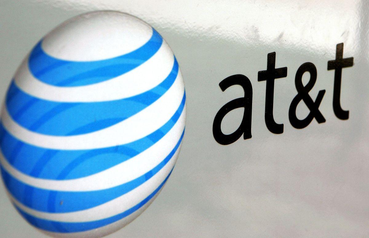 AT&T se concentrará en su negocio de telecomunicaciones.