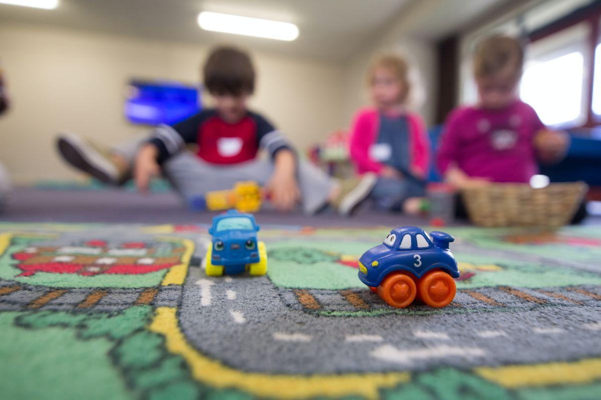 El American Families Plan busca que los niños en edad preescolar tengan un mejor desarrollo económico, físico y mental.