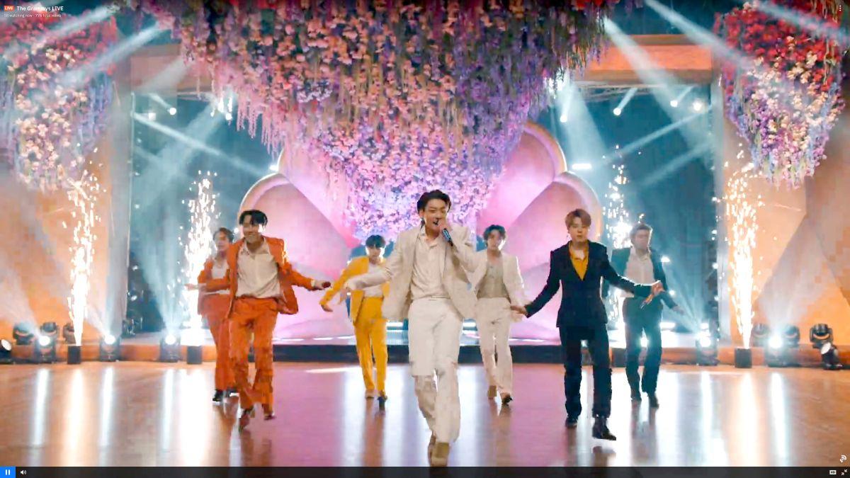 Los coreanos BTS son un fenómeno de ventas a nivel mundial.
