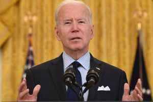 ¿Cuarto cheque de estímulo? Biden remarca su apuesta de hacer crecer el mercado de trabajo a través de sus planes de reactivación económica
