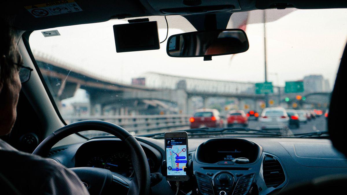 Un chofer de Uber en una ciudad importante de Estados Unidos podría ganar hasta $500 dólares al día, pero trabajando poco más de 10 horas diarias.
