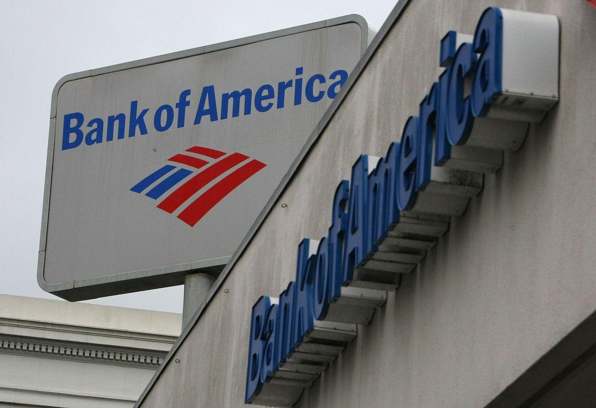 Bank of America subirá nuevamente el salario de sus empleados a $25 dólares por hora.