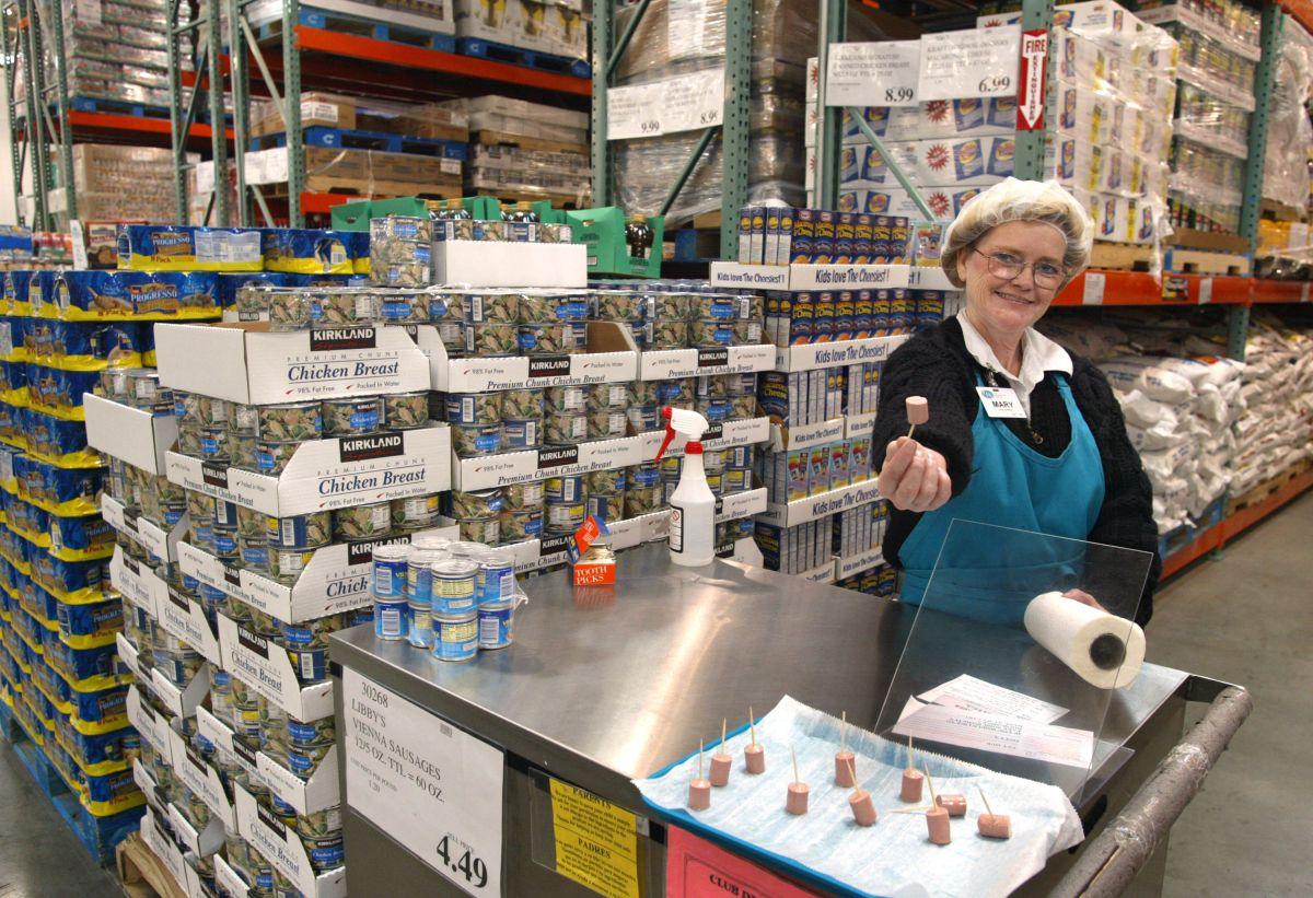 Las módulos de muestras de alimentos gratuitos son un medio para consentir a los consumidores dentro de los almacenes y que prueben sus productos.