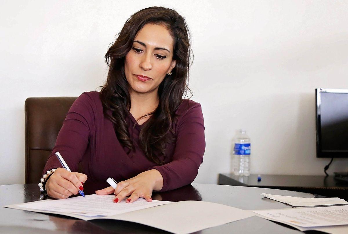 El análisis que demuestra que las mujeres ganan casi un 30% menos que los hombres