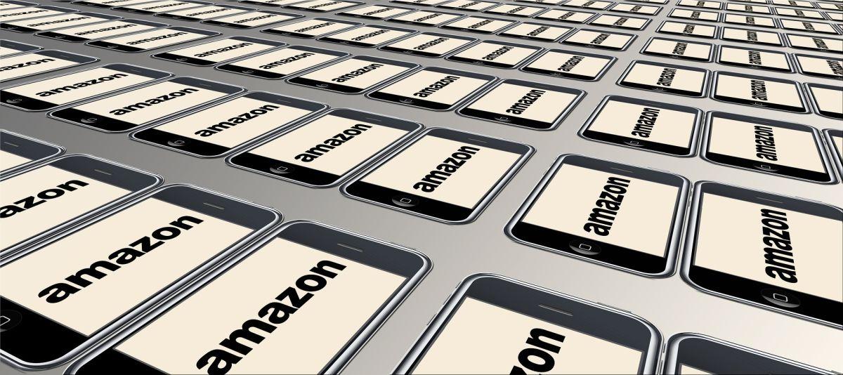 Muchas de las ventas de proveedores de Amazon se ejecutan en buena medida por las reseñas satisfactorias que leen los clientes, aunque éstas sean un engaño.