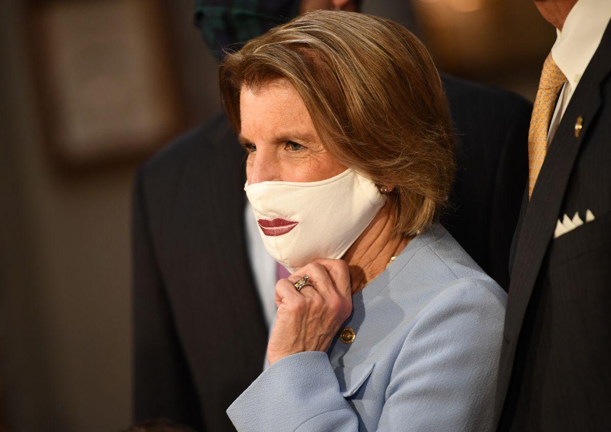 La senadora Shelley Moore Capito encabezó al grupo de republicanos que se reunieron con el presidente.