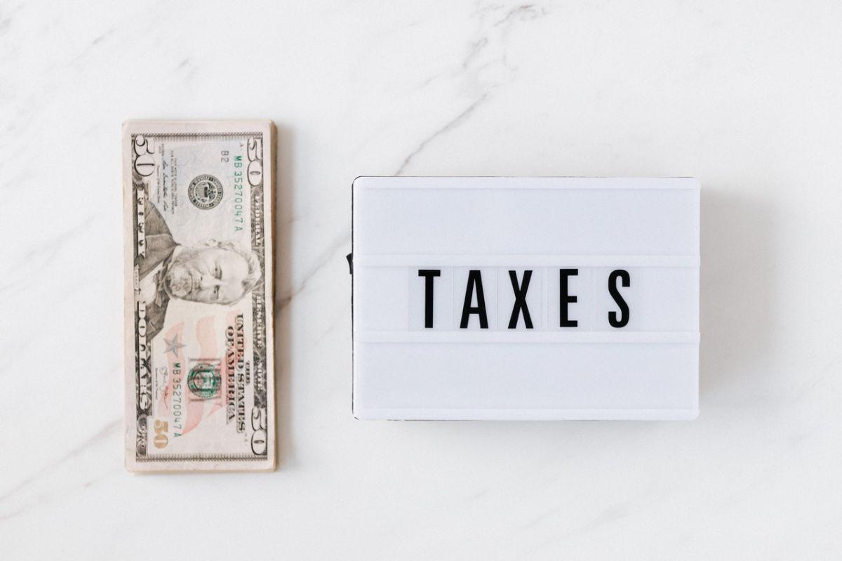 El IRS reconoció que aún tiene miles de declaraciones de impuestos del 2020 sin procesar.