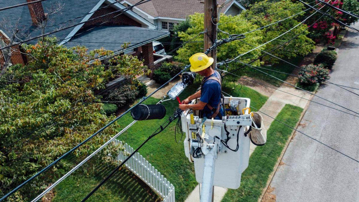 Los técnicos electricistas pueden ganar más de $20 dólares por hora.