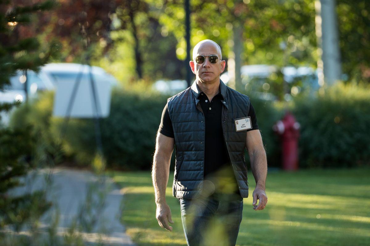 Jeff Bezos, propietario de Amazon y del proyecto espacial Blue Origin.