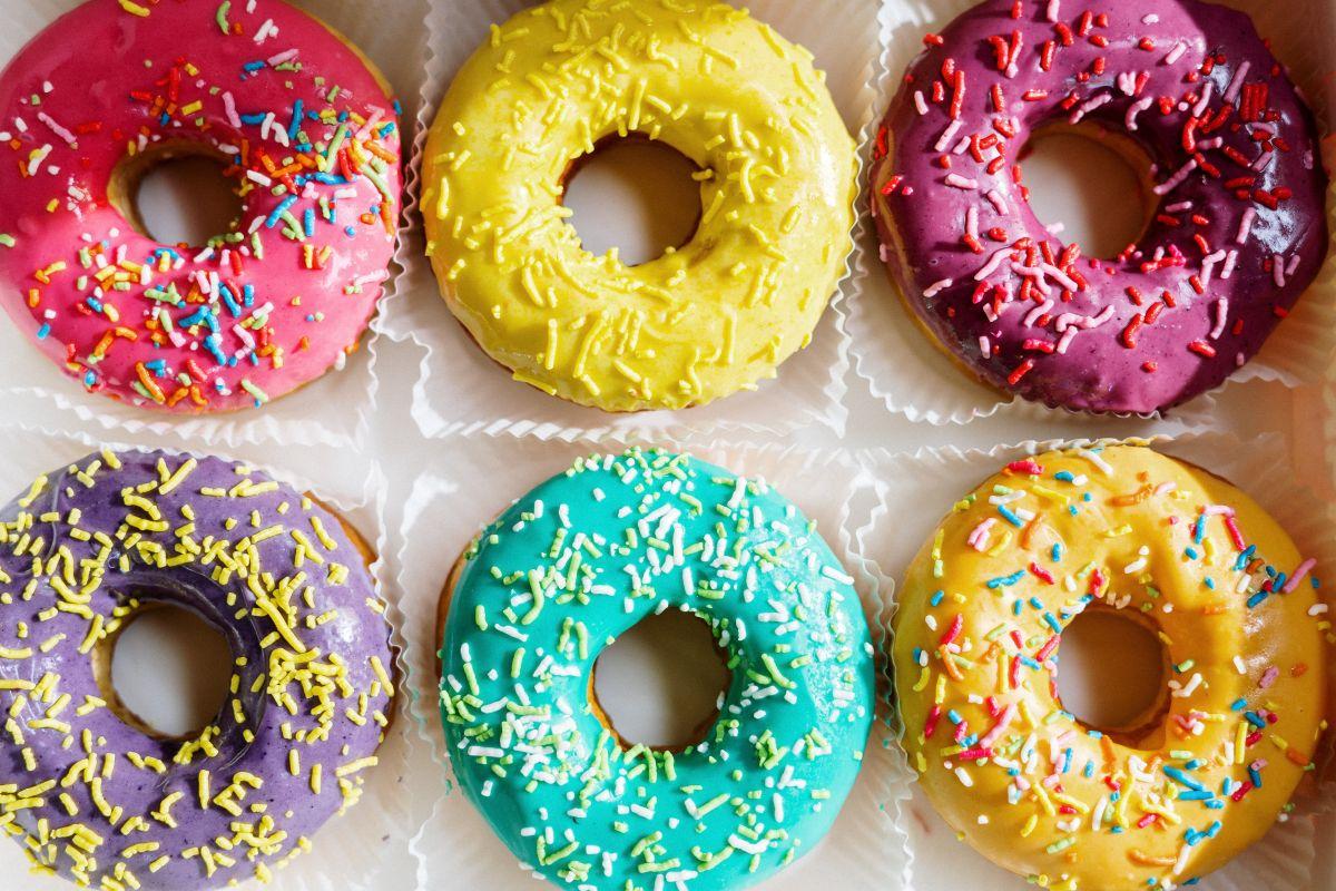 Dunkin' Donuts y Krispy Kreme, por ser de las dos más importantes cadenas en el país, celebrarán el Día Nacional de la Dona en grande.