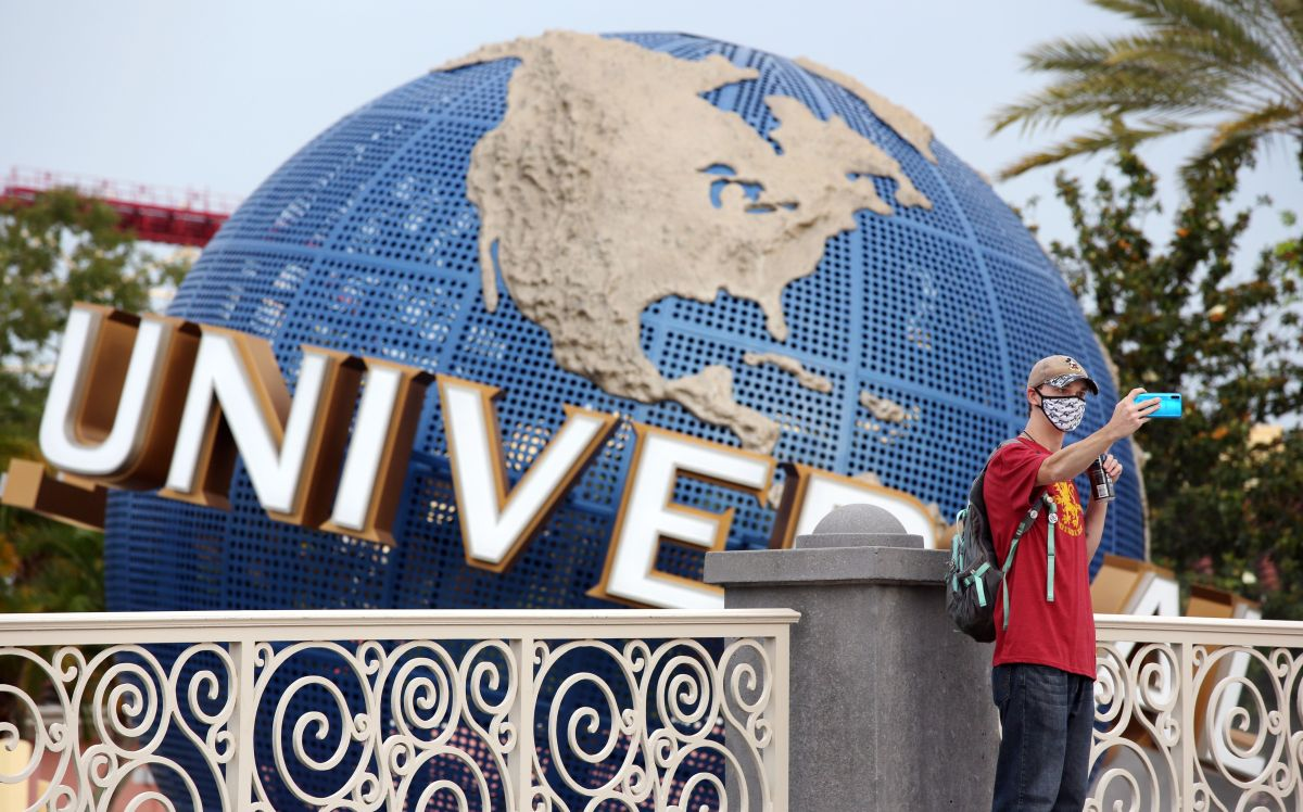 Universal Studios Hollywood contratará a más de 2,000 empleados para el verano.