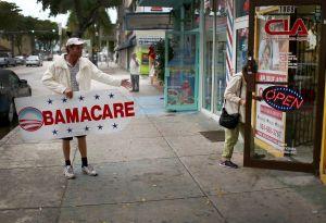 La Suprema Corte desecha proyecto para derogar el Obamacare, que ofrece seguro de salud a millones de estadounidenses