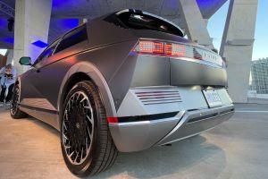 Nada frenará a los autos eléctricos, ni siquiera los concesionarios con ideas del siglo pasado