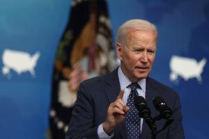 """Cuarto cheque de estímulo: la Casa Blanca dice que Biden acepta """"variedad de ideas"""" para lograr recuperar la economía"""