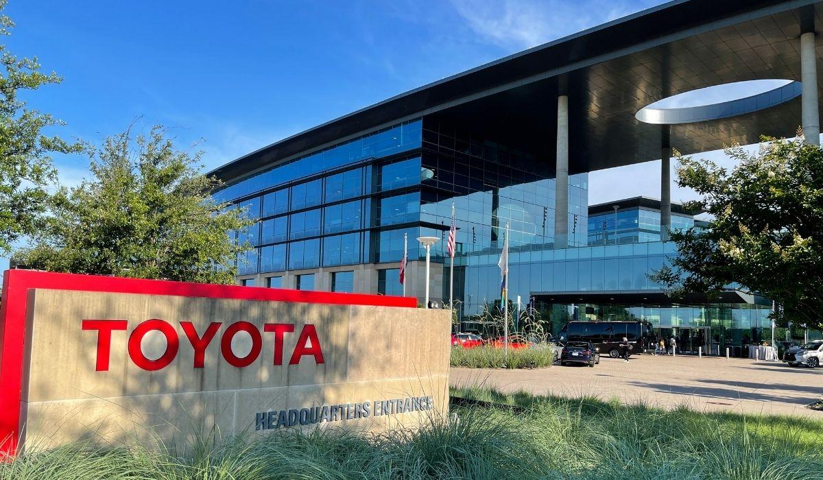 Todo es más grande en Texas, incluyendo Toyota