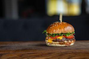 Heinz ofrece $25,000 dólares a expertos en hamburguesas