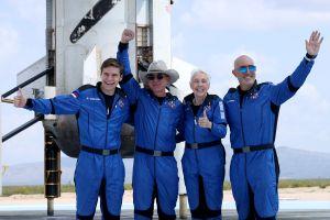 Carrera espacial de los multimillonarios: la lucha de los magnates Jeff Bezos, Elon Musk y Richard Branson