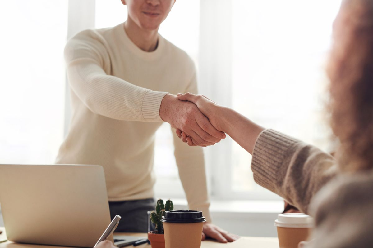 Renunciar al trabajo en busca de mejores oportunidades: cómo hacerlo sin quemar tu trabajo actual