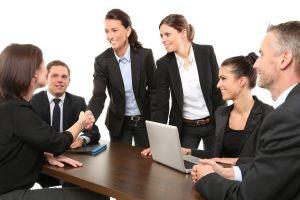 Los mejores trabajos para mujeres en Estados Unidos: qué empresas integran el top 20