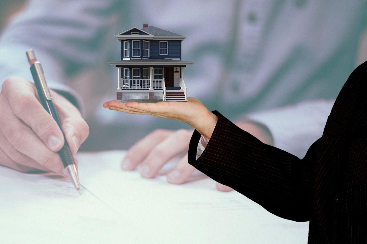 Alquilar una propiedad, sea un apartamento o una casa, significa poner mucho dinero mes con mes.
