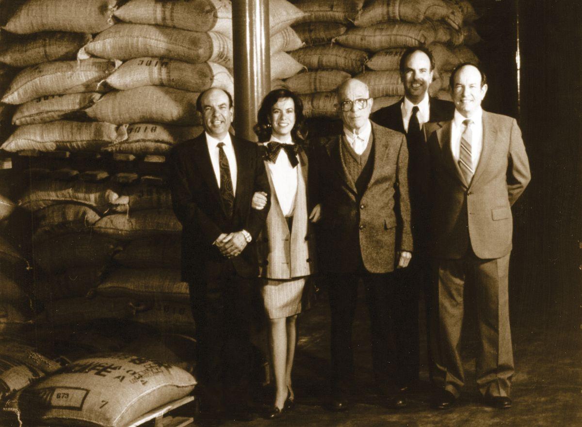La familia, Gaviña, fundadora de F. Gaviña & Sons, Inc. Don Francisco migró a Estados Unidos a los 60 años, y en vez de pensar en jubilarse, comenzó un camino hacia el éxito. Foto: Cortesía de la Familia Gaviña.